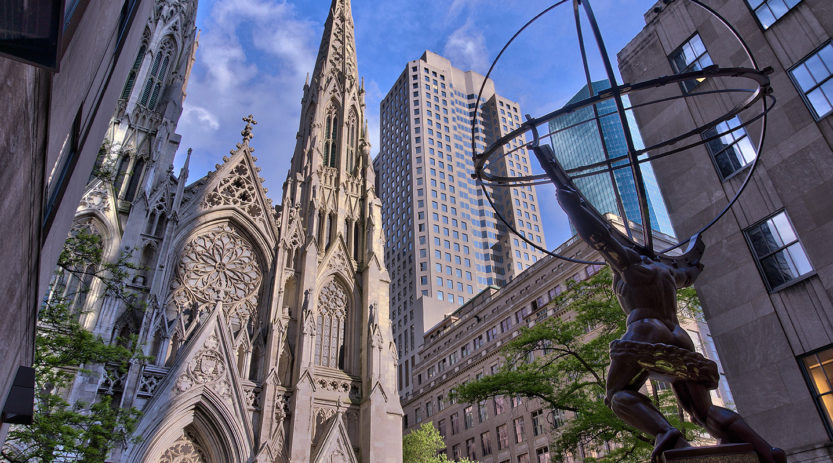 NYC_-_St_Patrick_Cathedral_-_Facade_and_Atlas