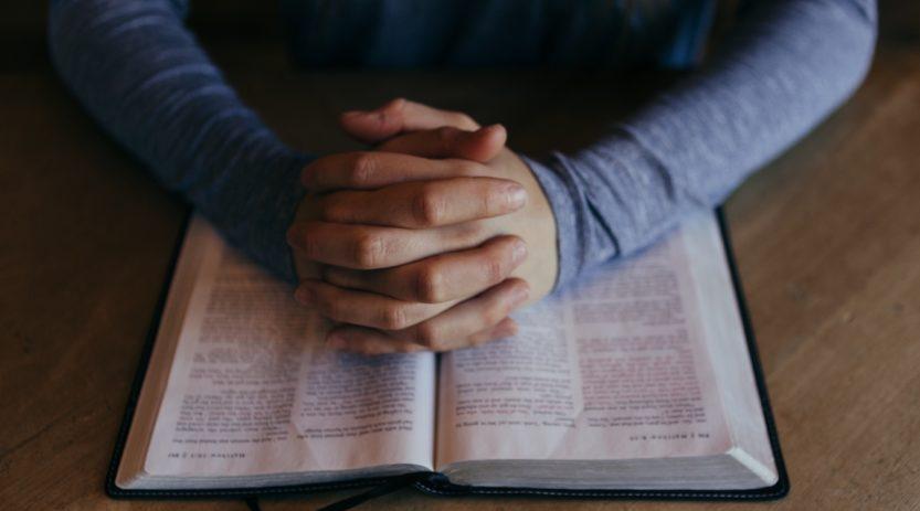 praying bible